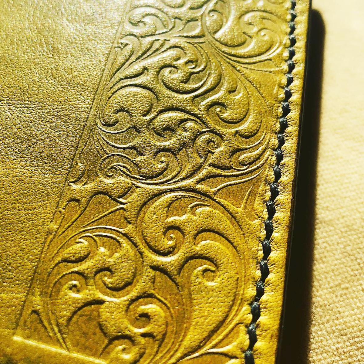 Slim peněženka s ražbou/ Slim Wallet with embossing